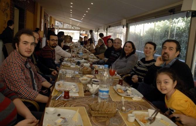 AKUT Gönüllüleri Tanışma Kahvaltısında Buluştu