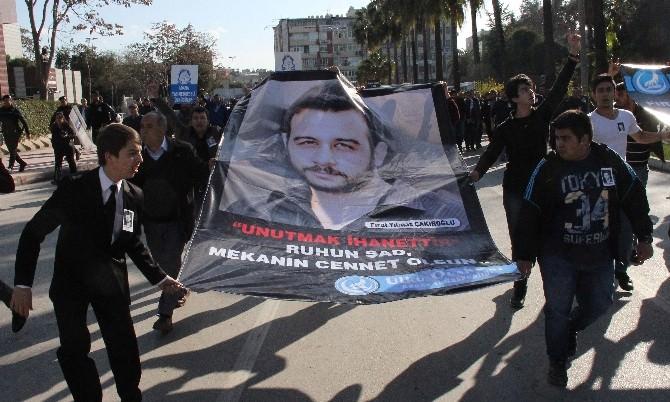 Öldürülen Ülkücü Genç İçin Gıyabi Cenaze Namazı Kılındı