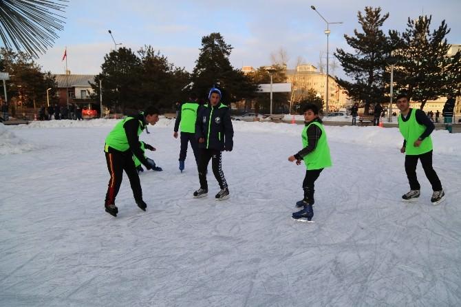 Erzurum Büyükşehir Belediyesi'nden 'Buz Pateni Şöleni'