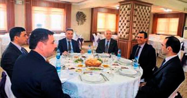 Başkanlar başbaşa Kazan'ı konuştular