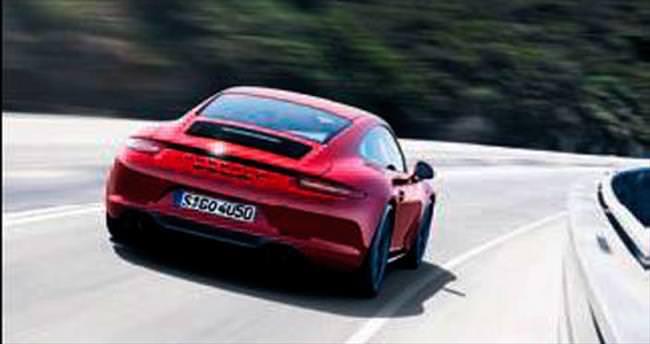 Porsche 911 Carrera GTS geldi
