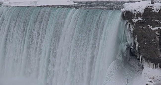 Niagara'da tarihi buz