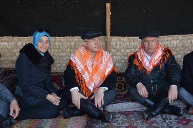 Torbalı'da Deve Güreşi Festivali