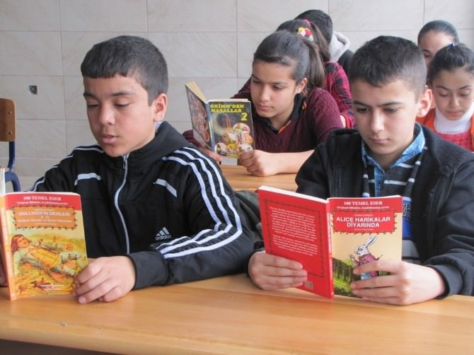 """Yerköy'de """"Kitap Okuyorum Harçlığımı Çıkarıyorum"""" Kampanyası"""