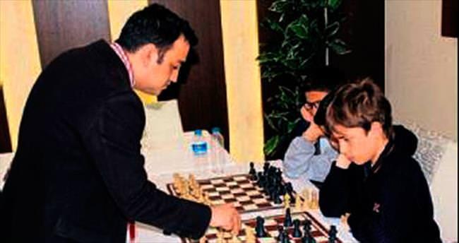 Usta antrenörden satranç dersleri