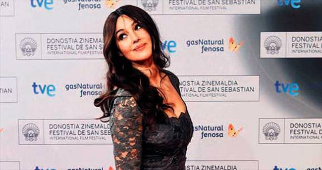'James Bond'da Bellucci devrimi