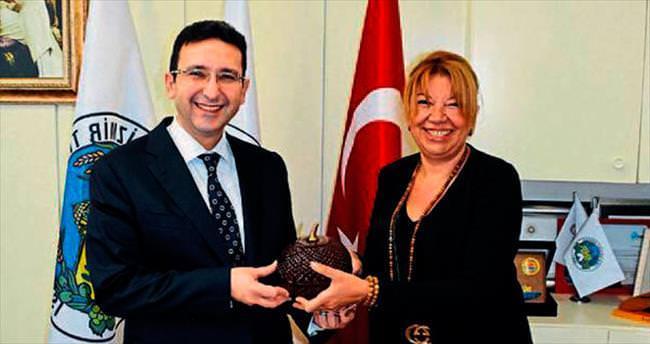İzmir bilişimin merkezi olmalı