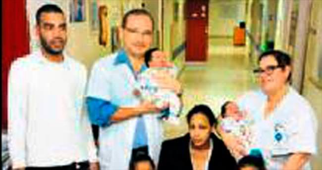 4 yılda 3 kez ikiz doğurdu