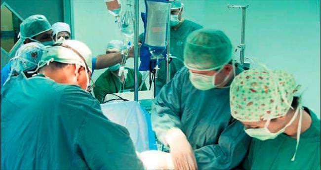 Kalp ameliyatlarında 'küçük kesi' dönemi