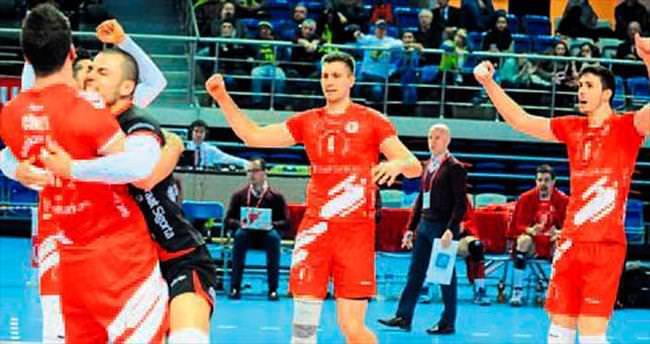 Ziraat Bankası, Süper Kupa'da yarı finalde