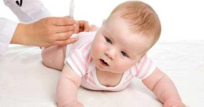 Reflü bebeklerde daha sık görülüyor
