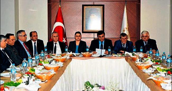 Burdur'un STK'larından Rektör Saatcı'ya destek