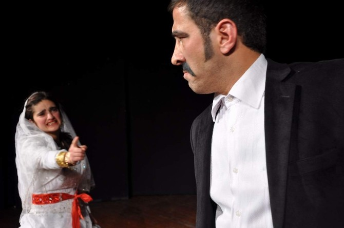 Pervari Tiyatro Gurubu Ankara'da Sahne Anacak