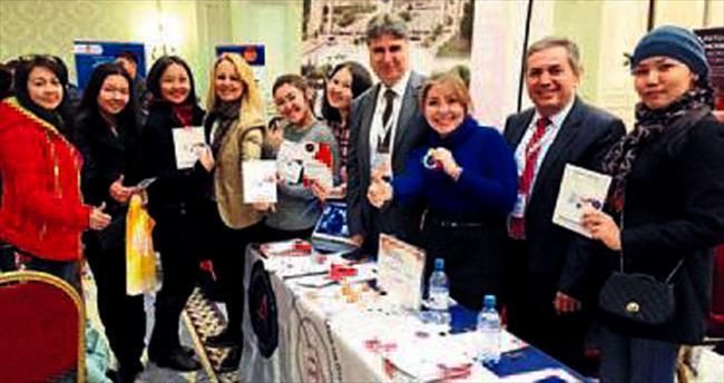 Kazak öğrencilere AÜ tanıtımı yapıldı