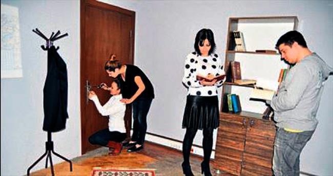 Evden kaçış oyunu İzmir'de de açıldı