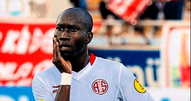 Kara Yılan Diarra gol atmayı unuttu