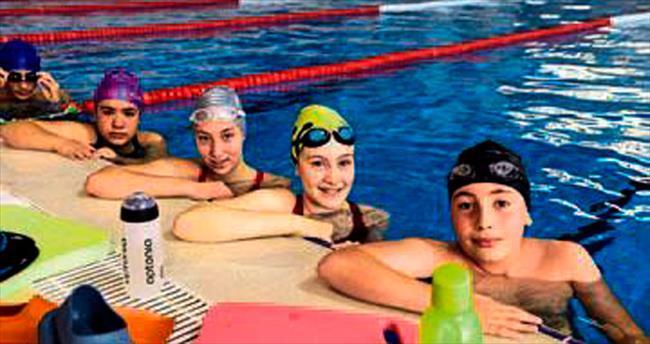 Mamak genç yüzücü adaylarını belirliyor