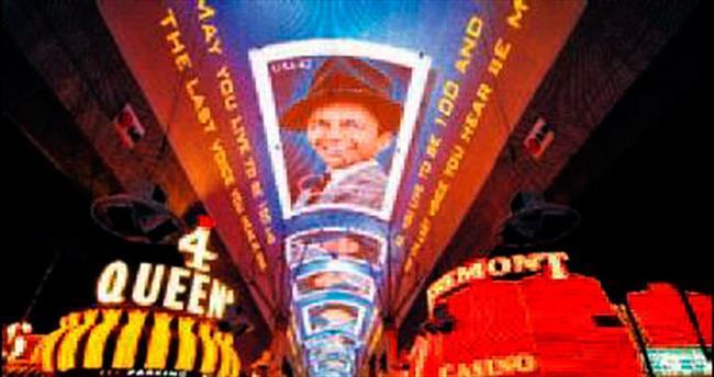 Sinatra'nın 100'üncü yaş günü sergisi