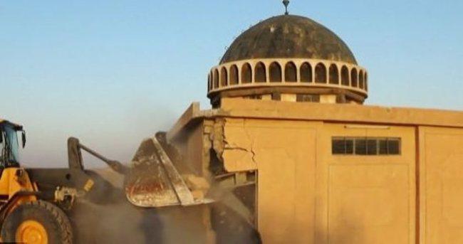 DAEŞ 3 bin yıllık kenti dozerlerle yıkıyor