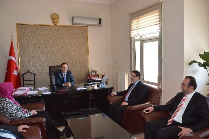 Başkan Yazgı İdare Mahkemesi Başkanı Erkan'ı Ziyaret Etti