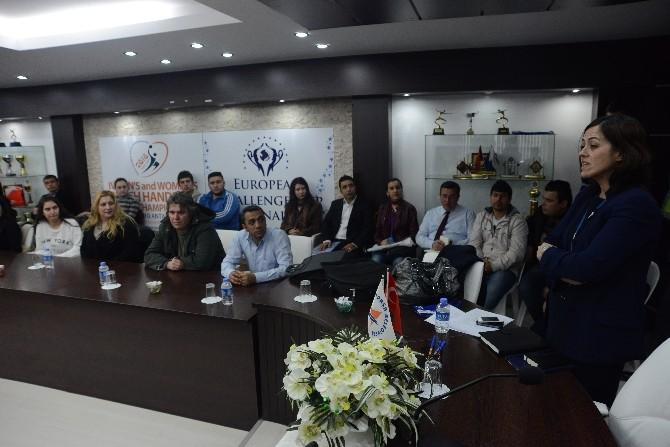 Muratpaşa Kariyer Merkezi İşverenle Buluşturuyor