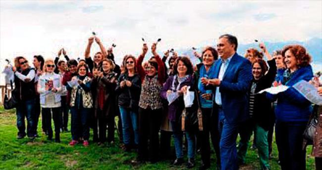 5 bin kadından 'Şiddete Hayır'