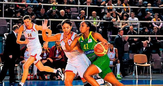 Kadın basketbolcuya saldırı!