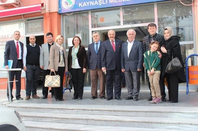 Kaynaşlı MYO'da Üstadından Ebru Sanatı