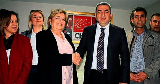 CHP Kadın Kolları Özenir'i veto etti