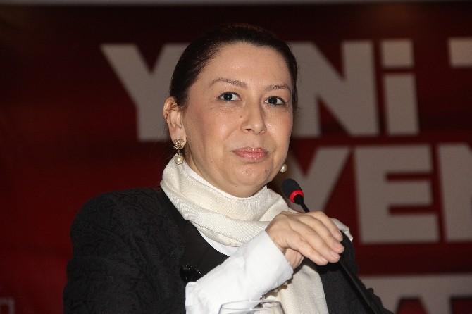 AK Parti Genel Başkan Yardımcısı Öznur Çalık'tan 8 Mart Dünya Kadınlar Günü Mesajı