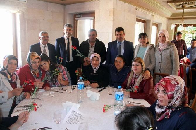 Rehabilitasyon Ve Bakım Merkezindeki Kadınlar 8 Mart Dünya Kadınlar Günü'nü Kutladı