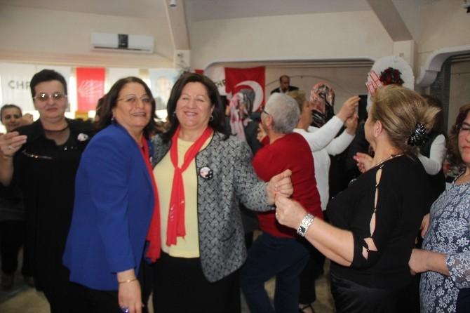 CHP'li Kadınlardan Kadınlar Günü Etkinliği