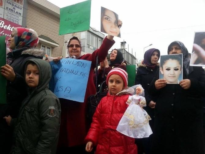 Kadınlar 'Şiddete Hayır' Demek İçin Yürüdü