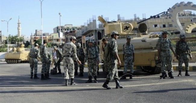 3 Mısır askeri öldürüldü