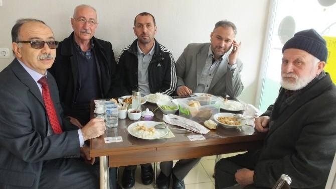 Burhaniye'de 36 Yıllık Müdürden Veda Yemeği