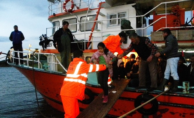 Denizde 119 Kaçak Göçmen Yakalandı