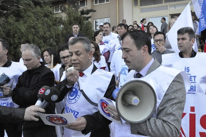 Sağlıkçılar 13 Mart'ta İş Bırakmaya Hazırlanıyor