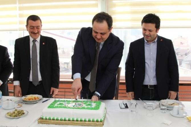 Belediye Başkanına Bandolu Doğum Günü Sürprizi