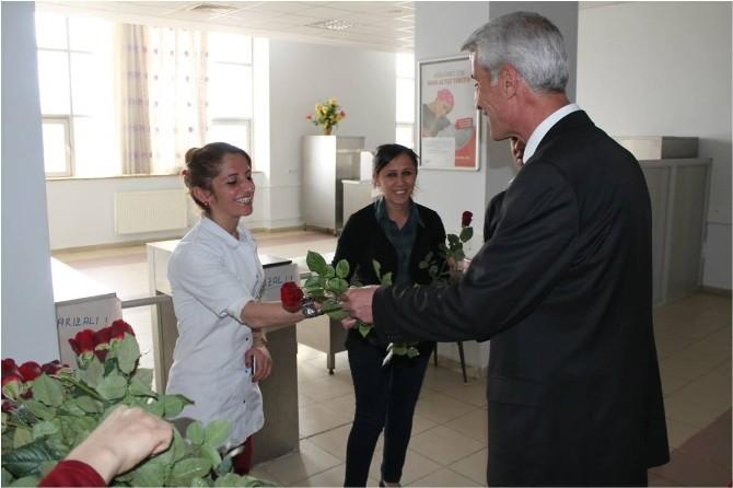 Hasta Ve Hasta Yakınlarına Çiçek