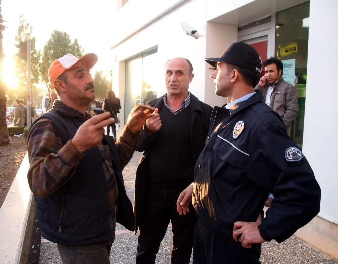 Dolandırılmaktan Polis Kurtardı