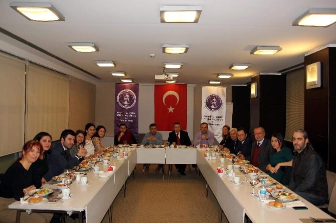 İstanbul'daki Aydınlılar Etkinliklerde Biraraya Geliyor