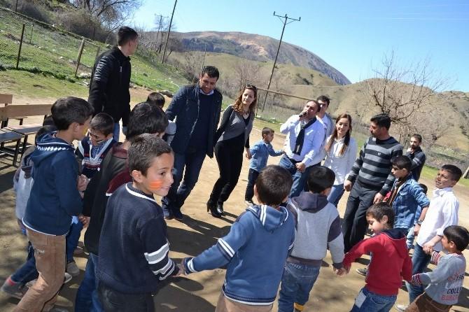 Gençlikevi Gönüllüleri İlkbahara Köy Çocuklarıyla Girdi