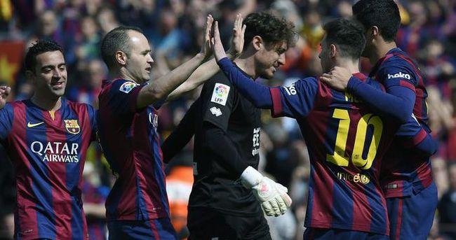 Barcelona 127 gün sonra zirvede
