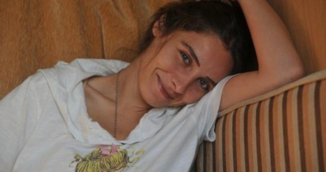 Nur Fettahoğlu annesinin evine taşındı
