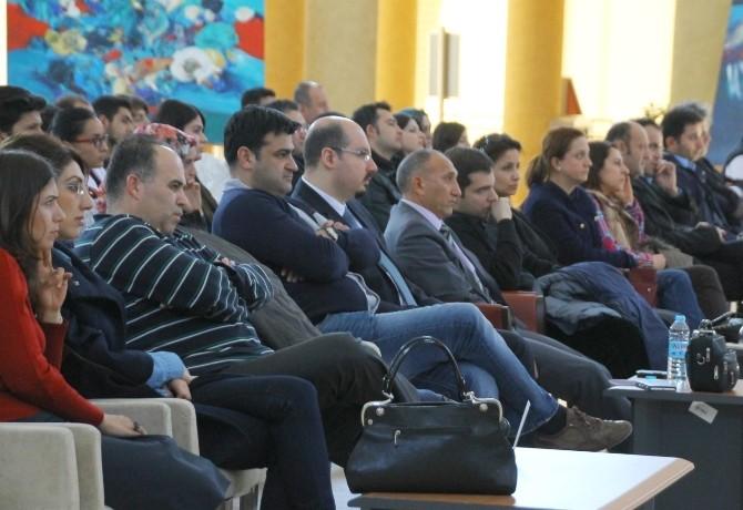 Nevşehir Hacı Bektaş Veli Üniversitesi'nde Mühendislik Günleri Paneli Düzenlendi