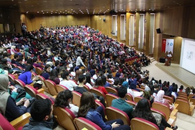 Üniversite'den Kadınlar Günü Etkinliği