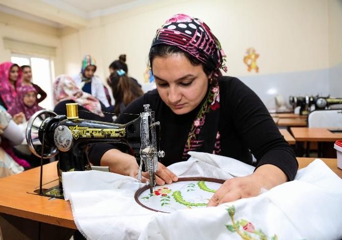 Şehitkamilli Hanımlardan El Beceri Kurslarına Yoğun İlgi