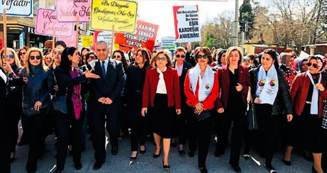 Gaziantep'te demokrasi yürüyüşü