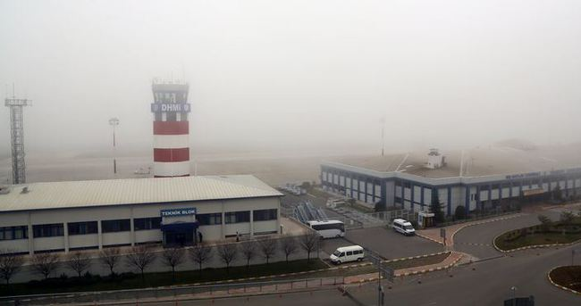 Trabzon'da hava ulaşıma sis engeli