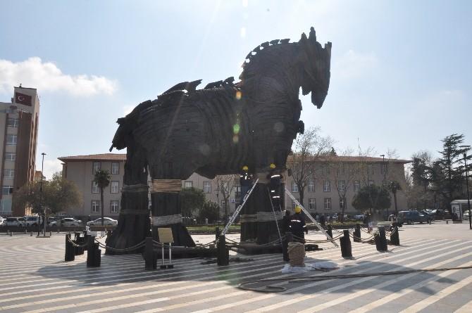 18 Mart Törenleri Öncesi Truva Atı Bakıma Alındı